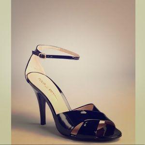 ⚫️Pour La Victoire Black Patent Heels